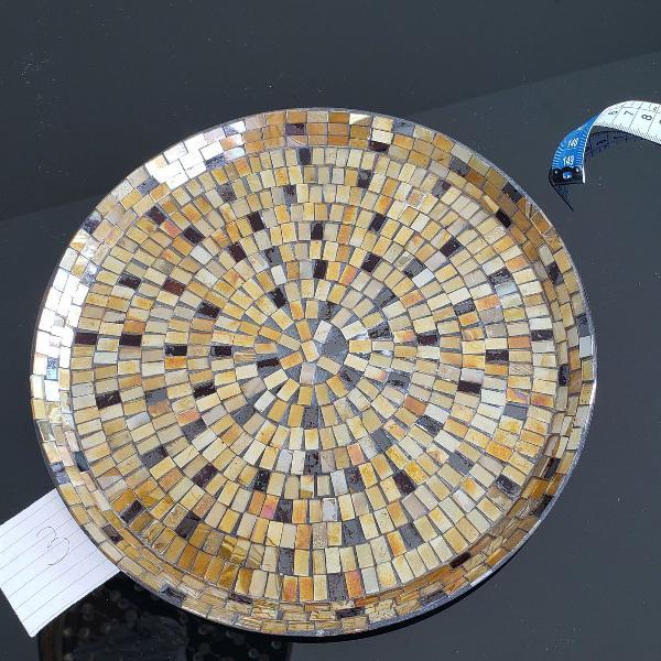 Uma bandeja mosaico de vidro 28 cm de diâmetro