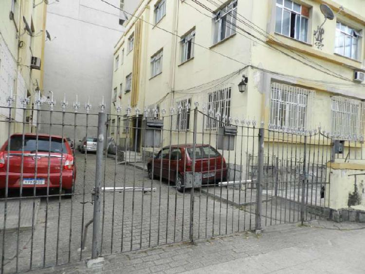 Aluguel apartamento térreo fundos 3 quartos, 1 vaga - av.