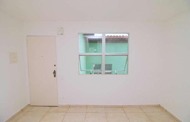Apartamento com 2 quartos para Aluguel