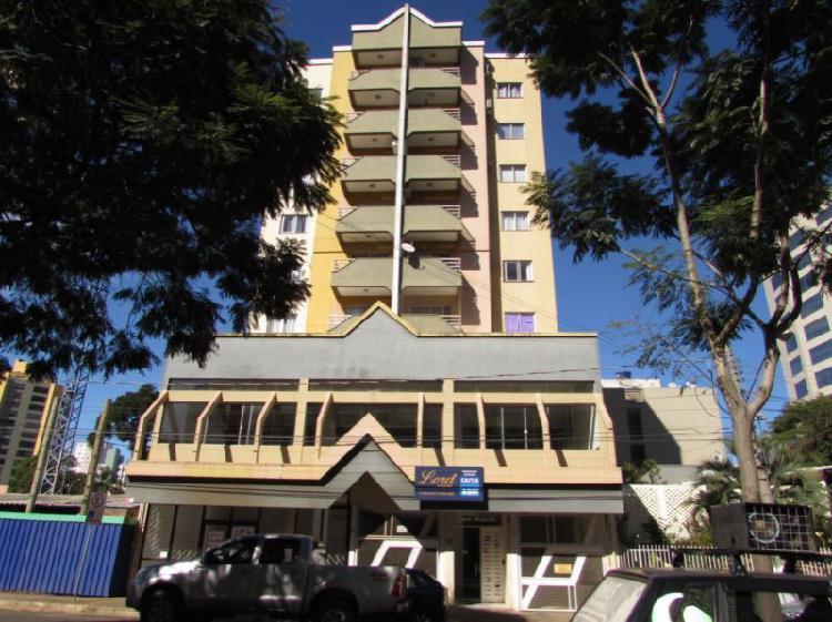 Apartamento semi mobiliado para locação no Centro