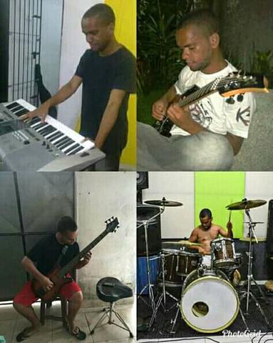 Aulas de diversos instrumentos a domicílio