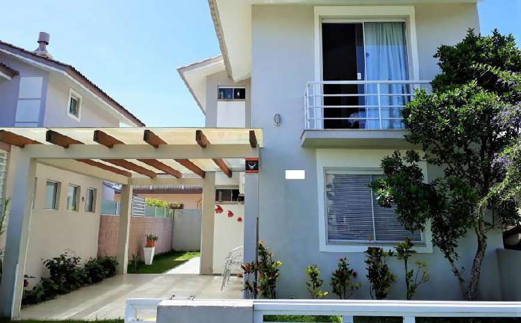 Casa nova, 3 dormitórios, 105m², 2 banheiros, centro,