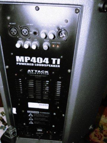 Caixa ativa attack mp 404 ti