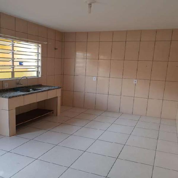 Casa de condomínio para aluguel, 1 quarto / cozinha em casa