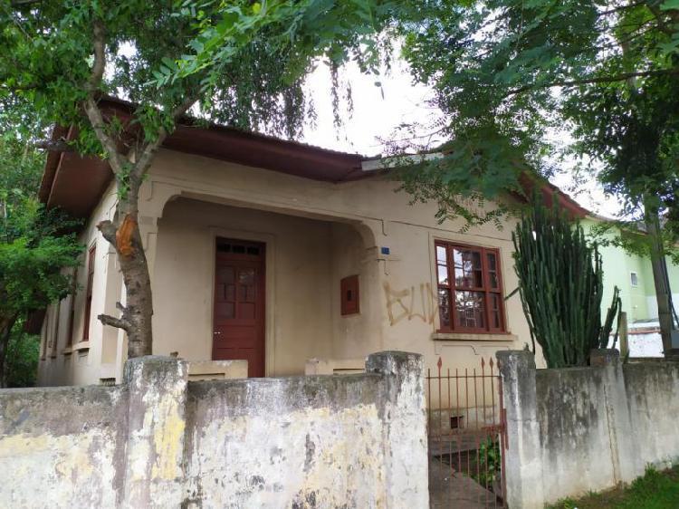 Casa para Locação em Curitiba, Novo Mundo, 3 dormitórios,