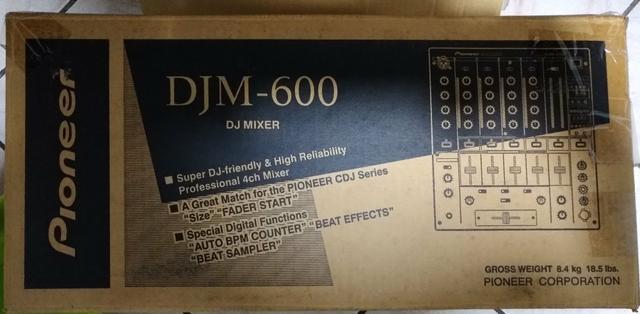 Djm 600 pioneer mixer semi novo impecável