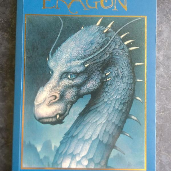 Livro eragon-ciclo a herança livro 1.