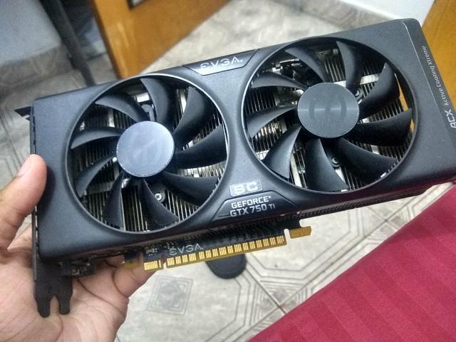 Placa de vídeo GTX 750 ti (Queimada)