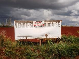Vende-se terreno frente rod. pr 317 próx. cond. alphaville
