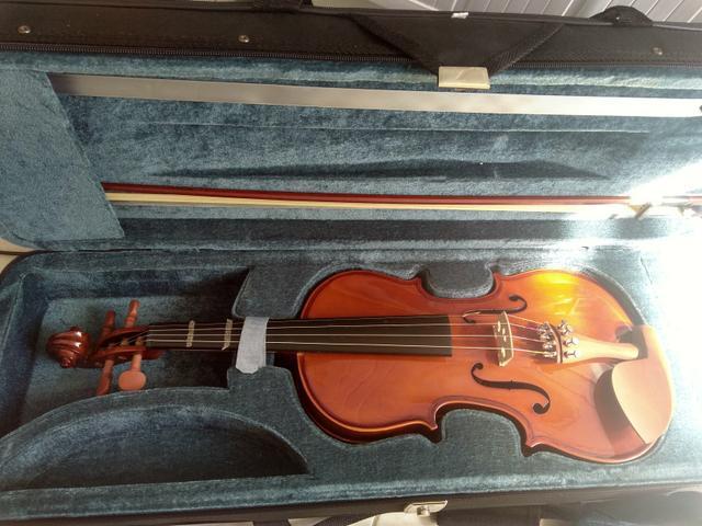 Violino eagle 4/4 vendo ou troco