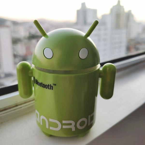 Caixa de som portátil: android robô