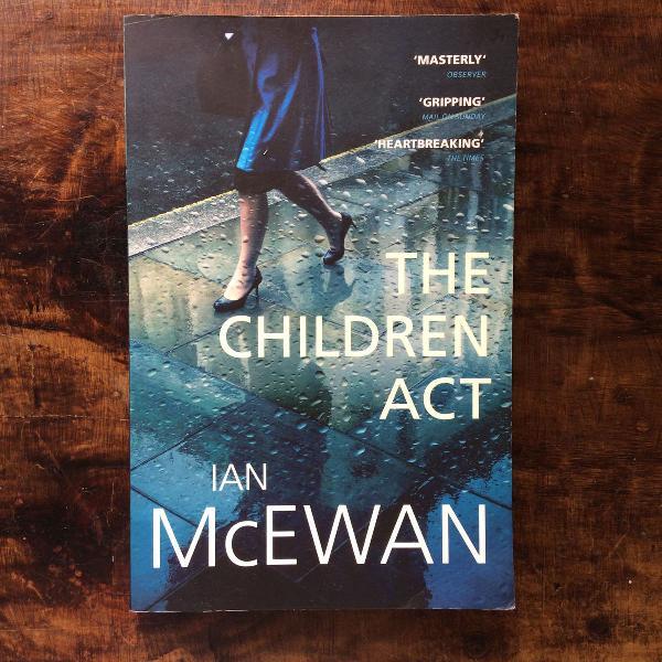 Livro em inglês the children act ian mcewan