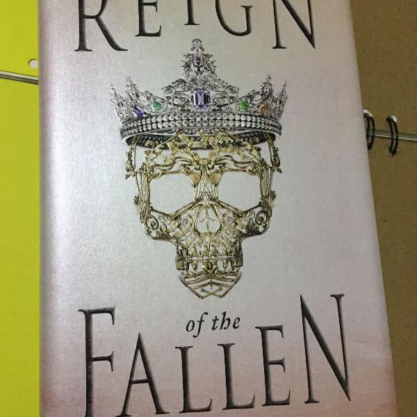 Livro reign of the fallen de sarah glenn marsh