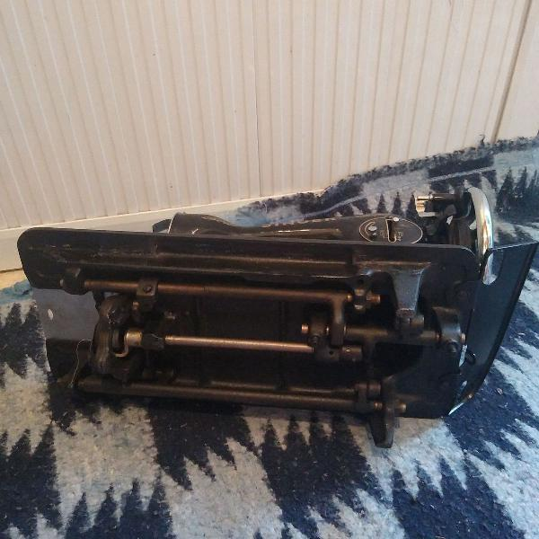"""Máquina de costura singer, nunca usada, """"raridade"""""""