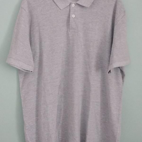 Camisa polo cinza básica
