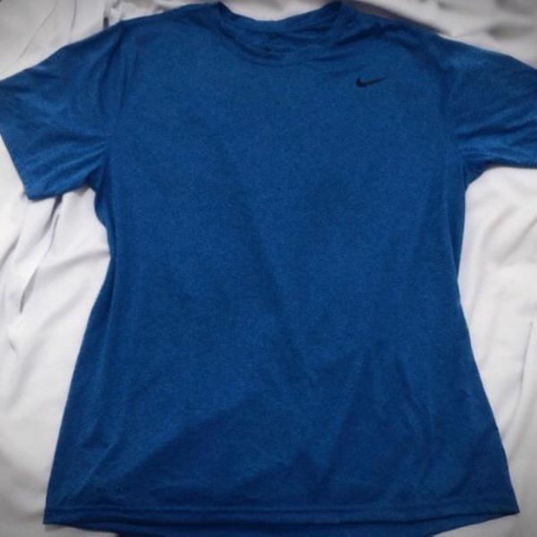 Camiseta dry fit nike