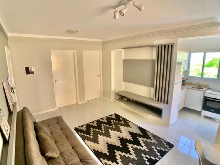 2 dormitórios com box e depósito, reformado. 48x para