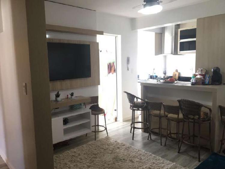 Apartamento a venda com 02 dormitórios mobiliado próximo