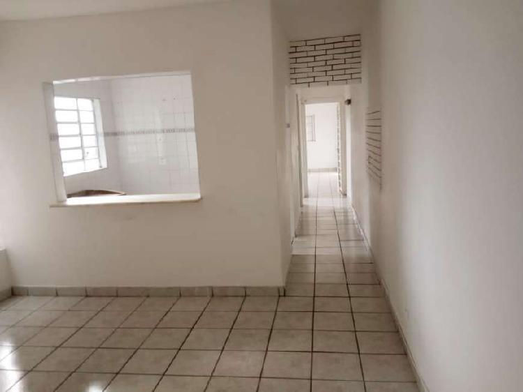 Casa de condomínio para aluguel tem 86 metros quadrados com