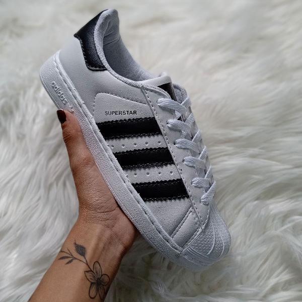 Tênis adidas superstar branco preto