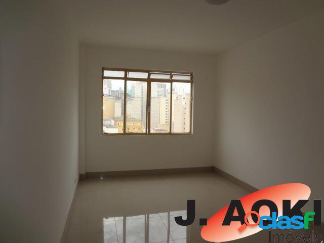 Apartamento totalmente reformado, portaria 24 horas