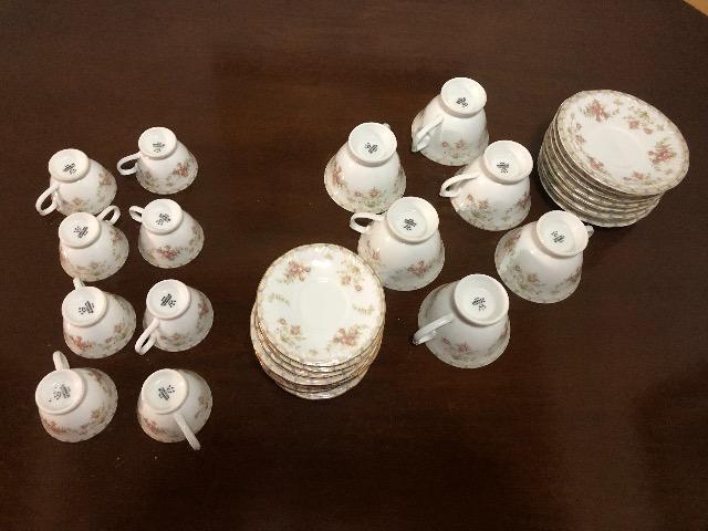 Conjunto de chá e café de porcelana