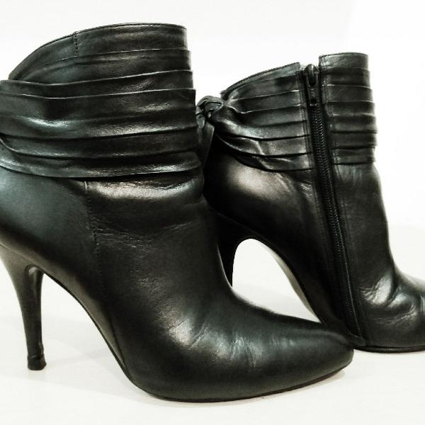 Maravilhosa ankle boots pra vc arrasar!
