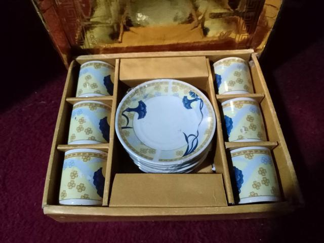 Novo na caixa! conjunto 6 xícaras de chá + pires em