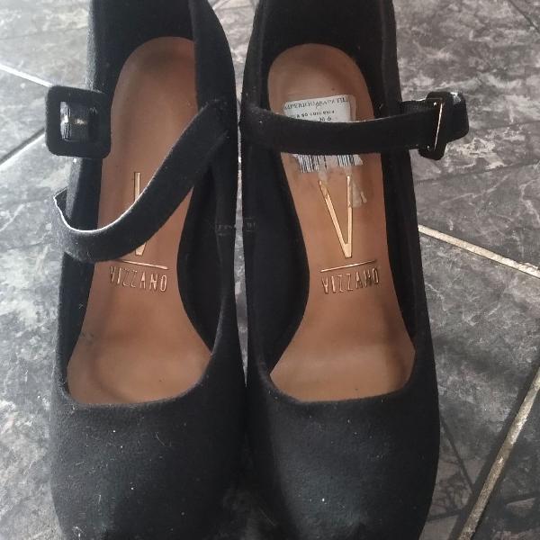 Sapato salto fino preto