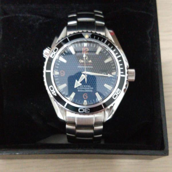 Relógio omega edição 007