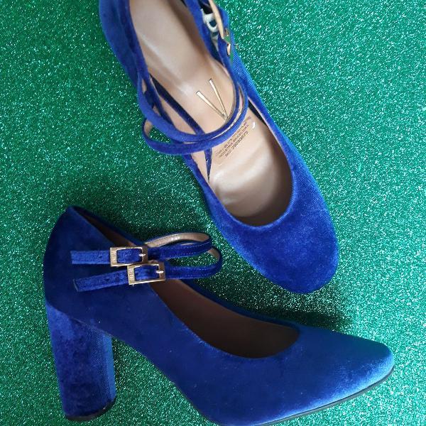 Sapato azul veludo