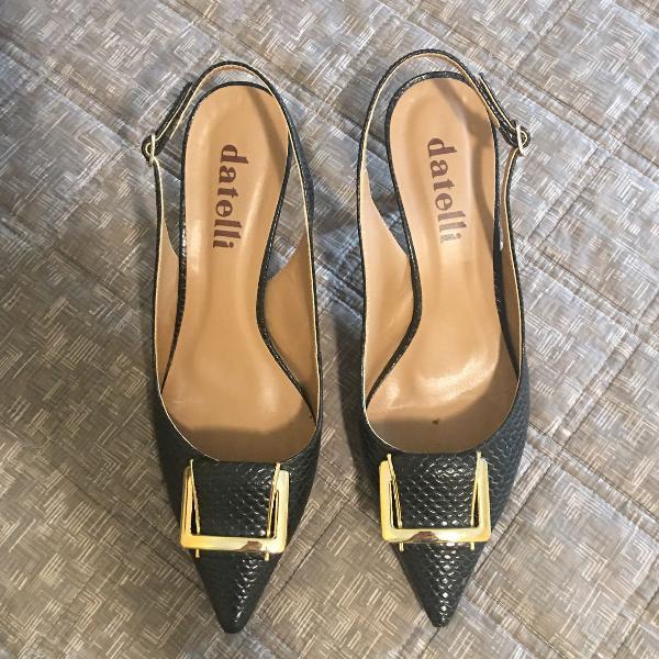 Sapato em couro preto datelli tamanho 37