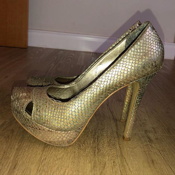 Sapato sereia furta cor