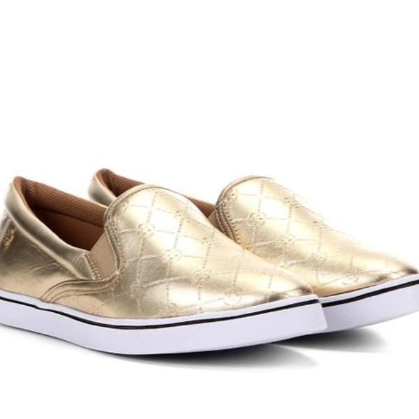 Slip on couro capodarte matelassê dourado capodarte