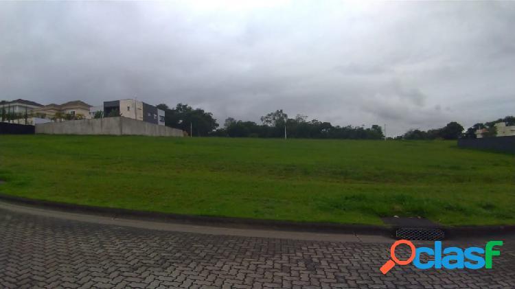 Oportunidade - terreno com 760m² - leve aclive - condomínio fechado