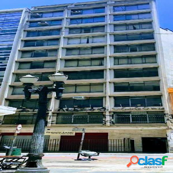 Prédio Comercial: 3000m², 11 andares e 66 salas - Centro 1