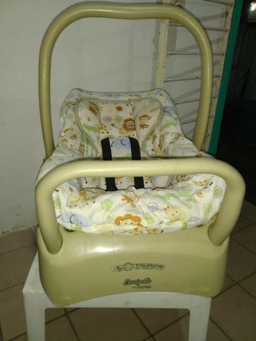 Bebê conforto burigotto com suporte ótimo estado
