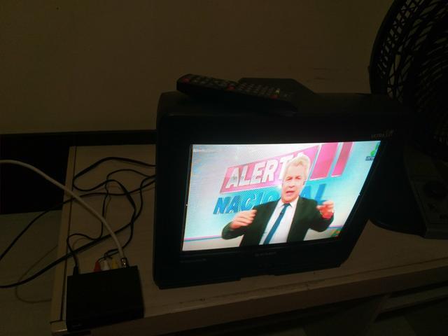 Tv tubo semp toshiba ultra slim 14 polegadas. e conversor