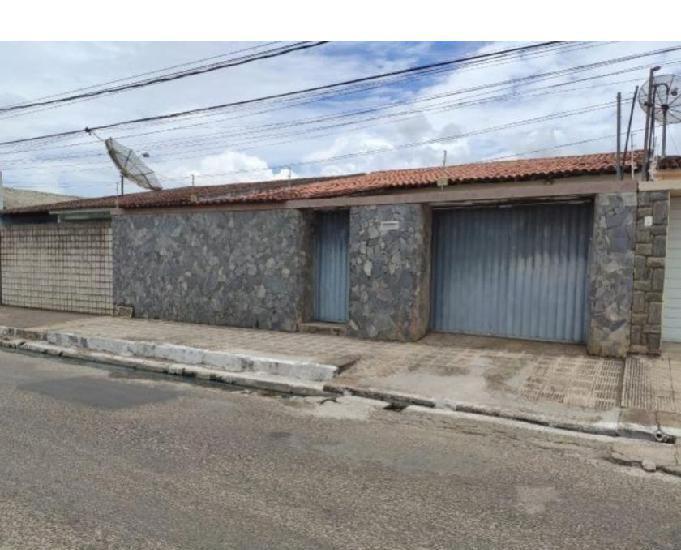 Alugo casa com 4 quartos no bairro capiatã - arapiraca