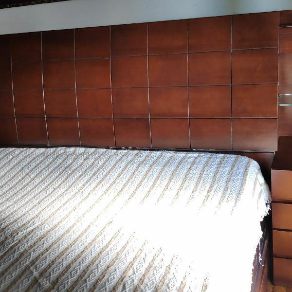 Cama queen size madeira maciça