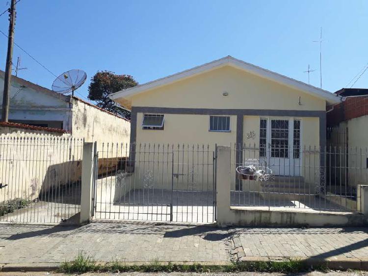 Casa para aluguel e venda tem 80 m² com 2 quartos em santa