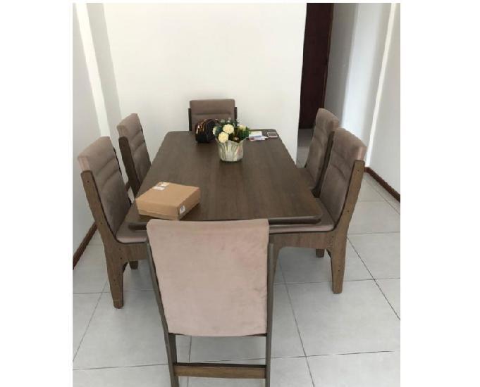 Mesa c 6 cadeiras