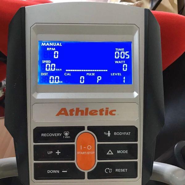 Aparelho eliptico athletic advanced 460ep 150kg.