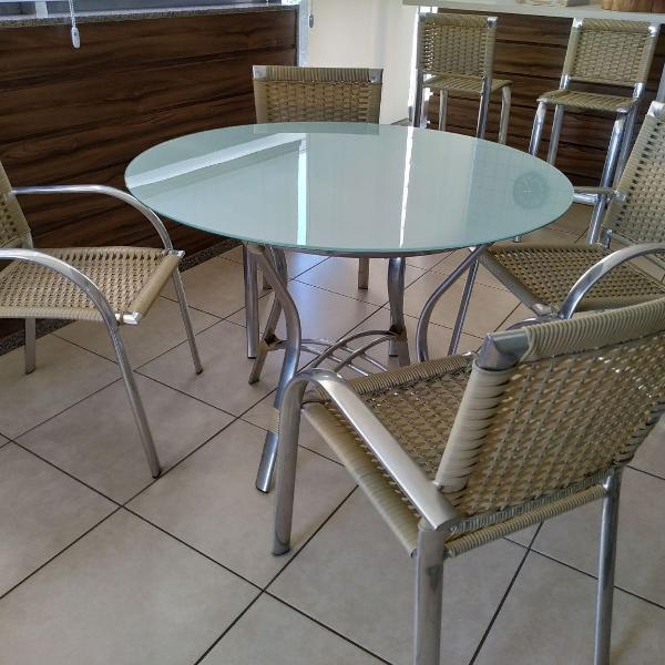 Mesa de vidro branco + 4 cadeiras + 2 banquetas alumínio