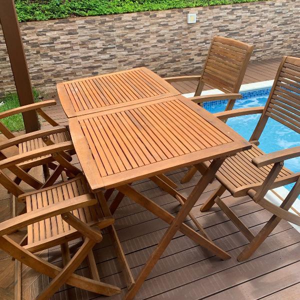 Mesa e cadeiras para área externa