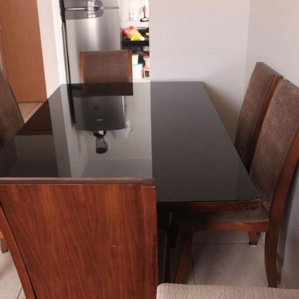 Mesa maciça 6 cadeiras