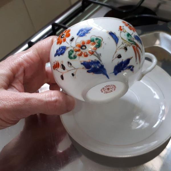 Xícara e píres em porcelana japonesa casca de ovo