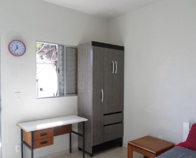 Aluga-se: quartos suíte mobiliado