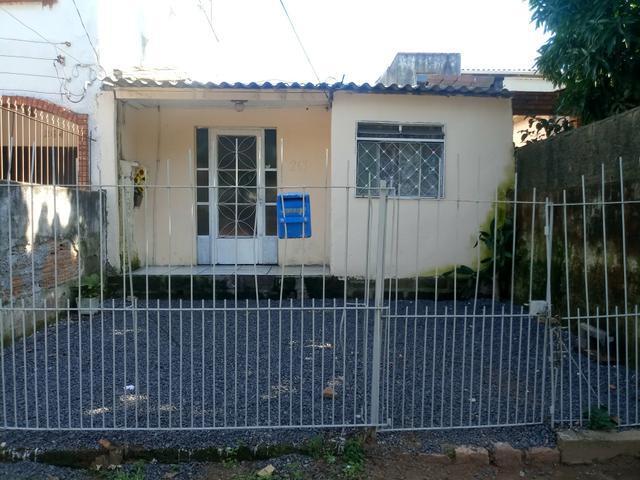 Casa na avenida principal do costa e silva