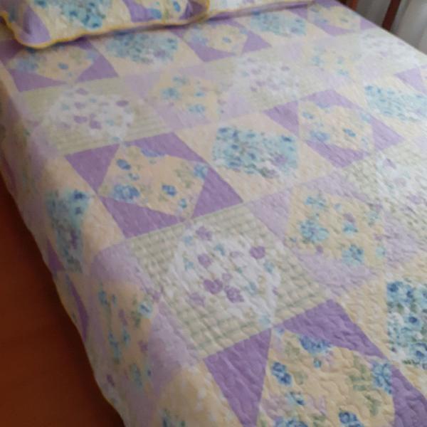 Colcha de cama queen e 2 porta-travesseiros